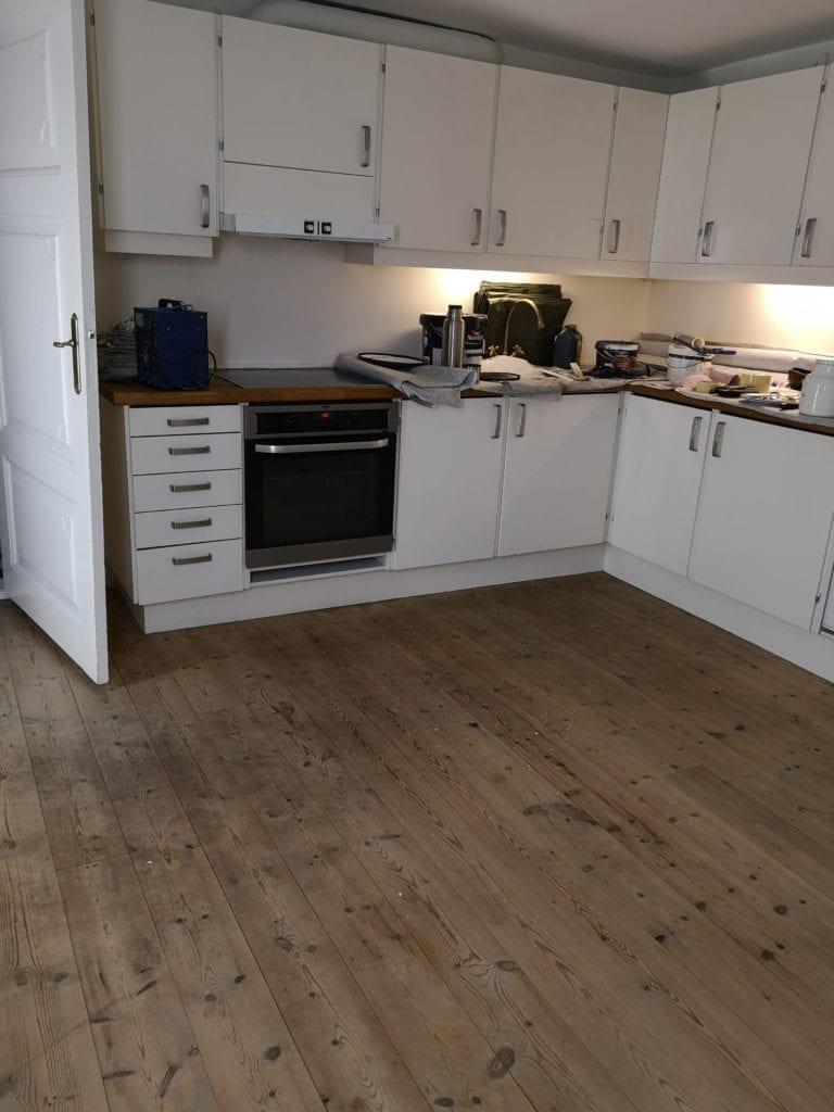 Maler Sorø, køkken før maling